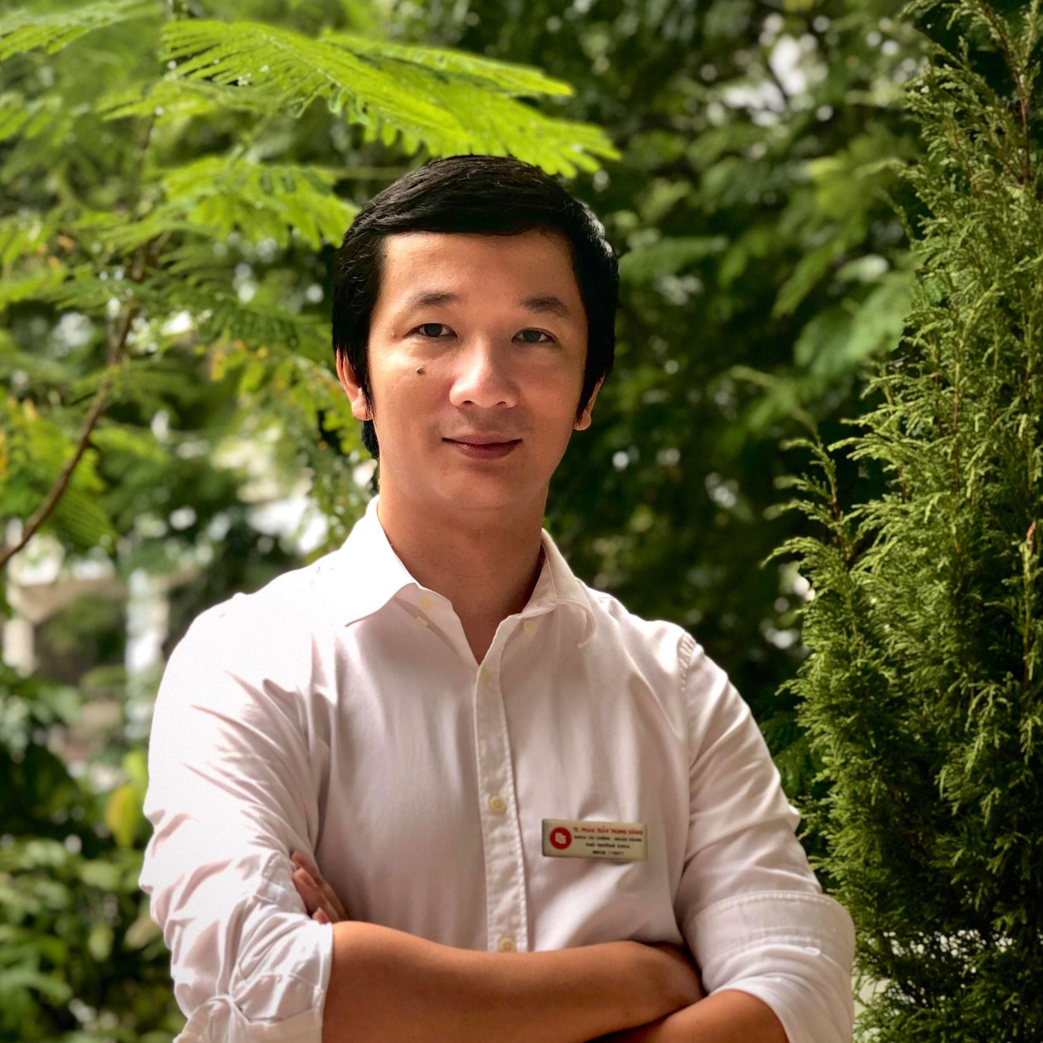TS Phan Trần Trung Dũng
